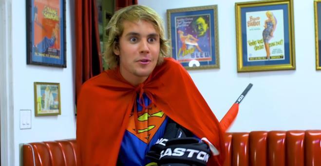 Quanto è credibile Justin Bieber nei panni di Superman?