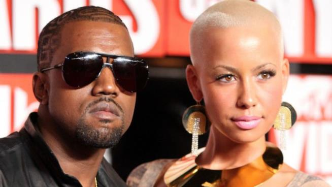 Primo piano di Amber Rose e Kanye West