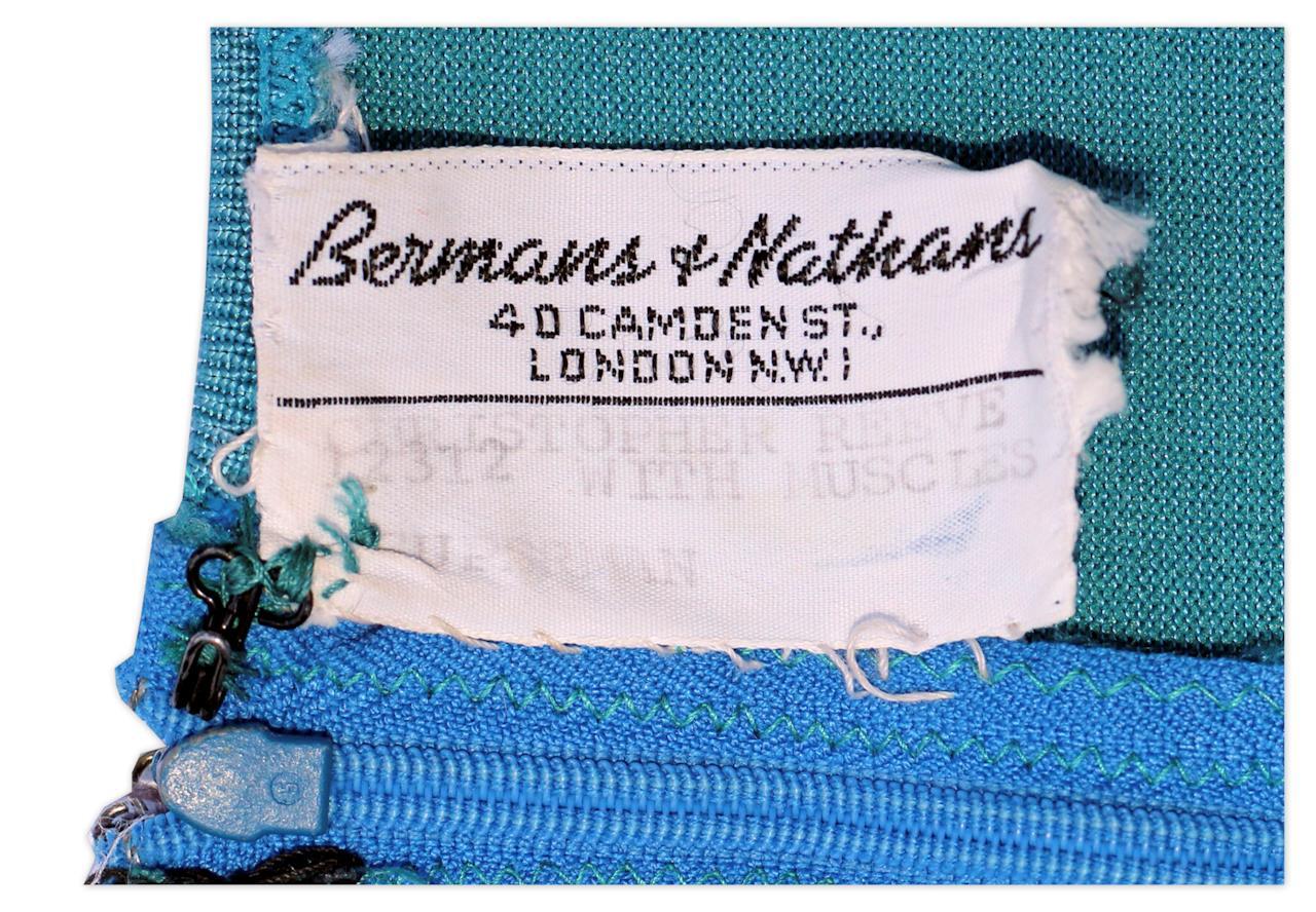 L'etichetta Bermans & Nathans del costume di Superman indossato da Christopher Reeve