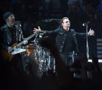 Bono in concerto con gli U2