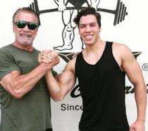 Joseph Schwarzenegger assieme al padre in una foto su Instagram