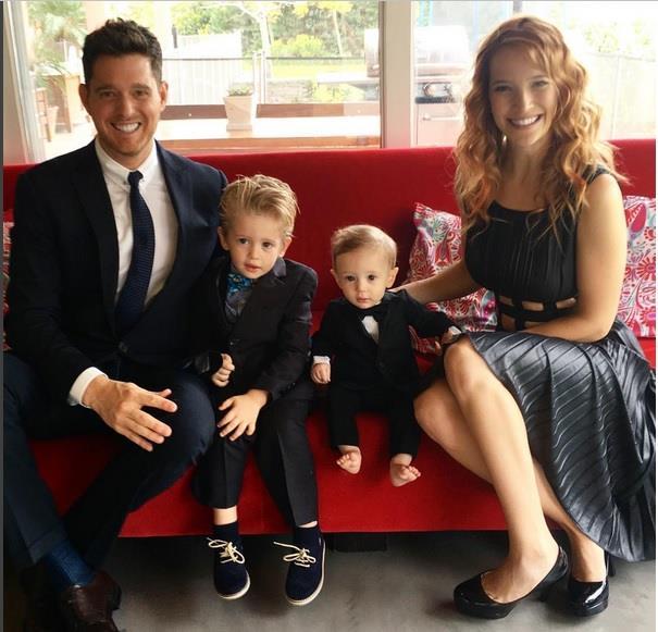 Michael Bublè con la sua splendida famiglia