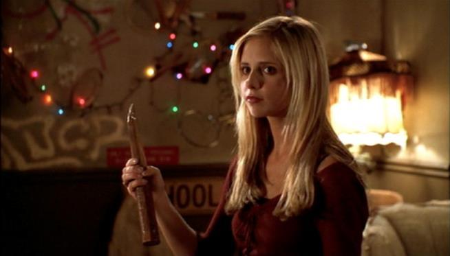 Sarah Michelle Gellar in una scena di Buffy l'Ammazzavampiri