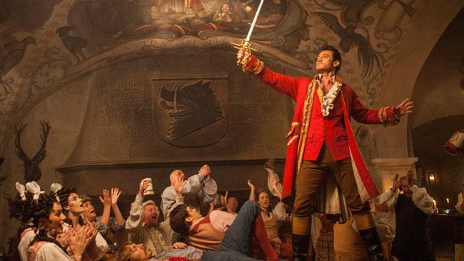 Luke Evans è Gaston in La Bella e La Bestia