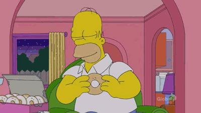 Homer si inietta una ciambella in vena come se fosse una droga