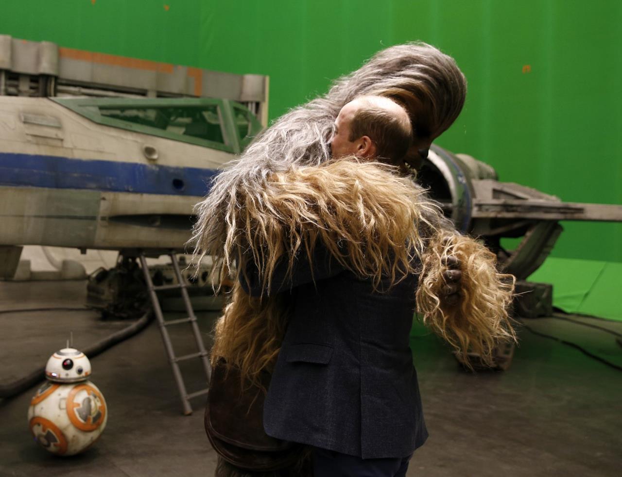 Il principe William abbraccia Chewbecca