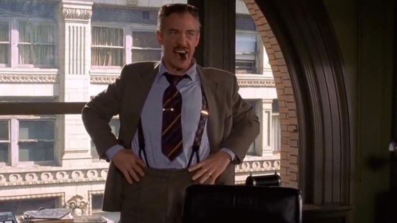 J. Jonah Jameson in una scena di Spider-Man di Sam Raimi