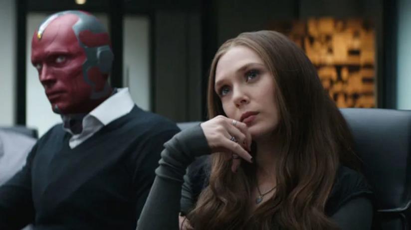 Un primo piano di Elizabeth Olsen e Paul Bettany nei panni di Wanda e Visione