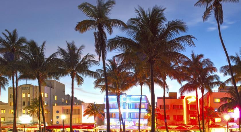 Villa Casuarina, la strada a Miami Beach
