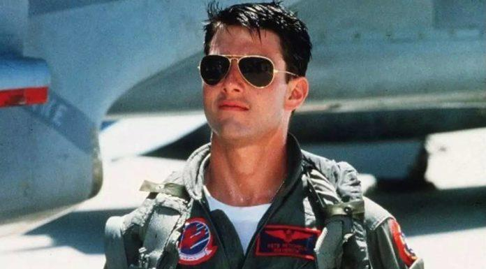 Tom Cruise con occhiali da sole in Top Gun