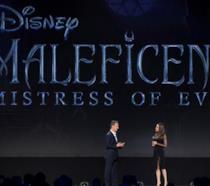 Angelina Jolie sul palco di D23 Expo per Maleficent