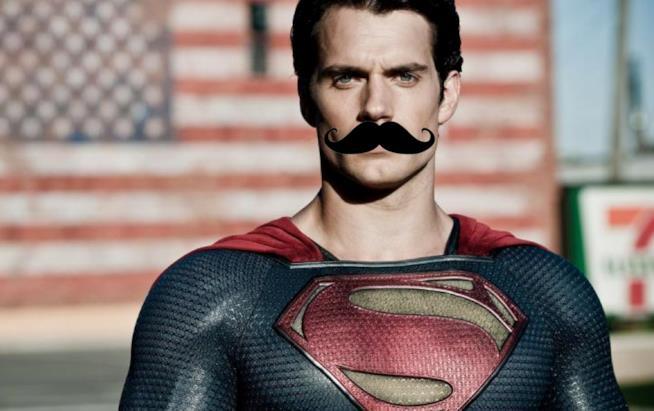 Superman e i suoi folti baffi
