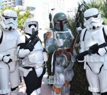 Un gruppo di fan vestiti da Stormtroopers al D23 Expo