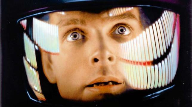 Primissimo piano di Keir Dullea in una scena di 2001: Odissea nello spazio