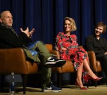 Ryan Murphy con Sarah Paulson ed Evan Peters