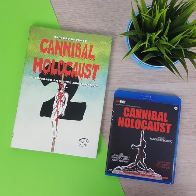 Cannibal Holocaust accanto al suo sequel illustrato