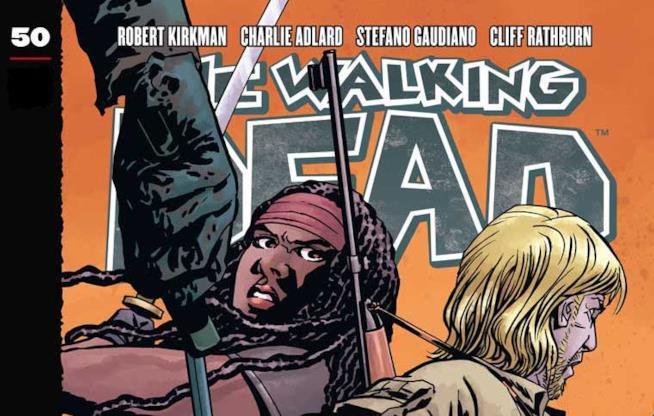 Michonne e Aaron in pericolo sulla cover del numero 50 di The Walking Dead