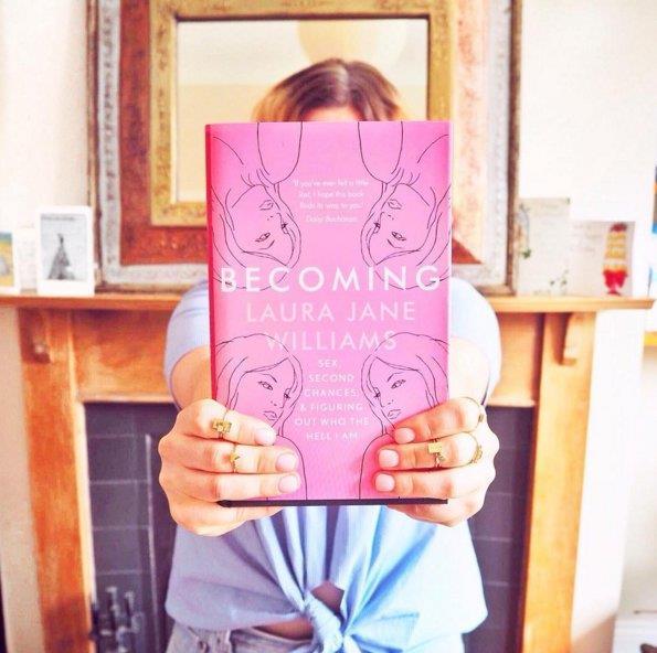 Becoming il libro di Laura Jane Williams
