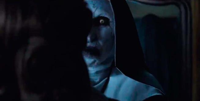 Il demone-suora Valak tornerà in The Nun