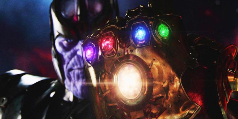 Josh Brolin nel ruolo di Thanos mostra il Guanto dell'Infinito