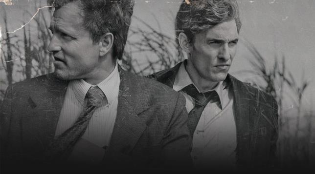 Rust e Marty interpretati da Woody Harrelson e Matthew McConaughey in True Detective