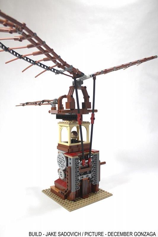 Primo piano dell'ornitottero di Leonardo da Vinci costruito con i LEGO