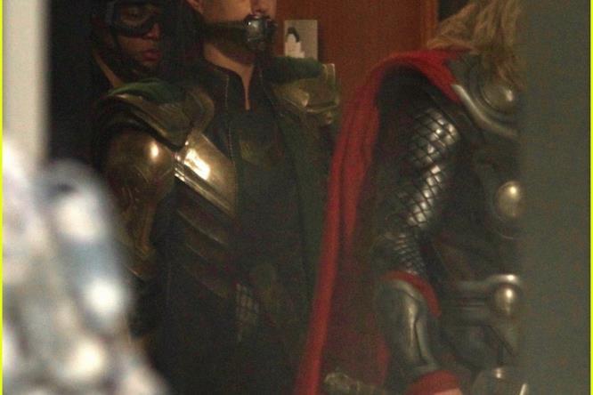 Le foto di avengers 4 mostrano Loki