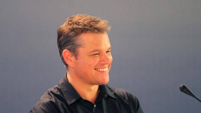 Matt Damon sorride alla conferenza stampa di Downsizing