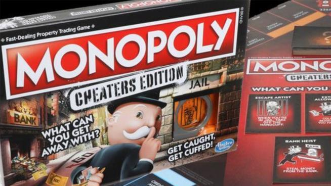 Primo piano della confezione Monopoly, Cheaters Edition di Hasbro