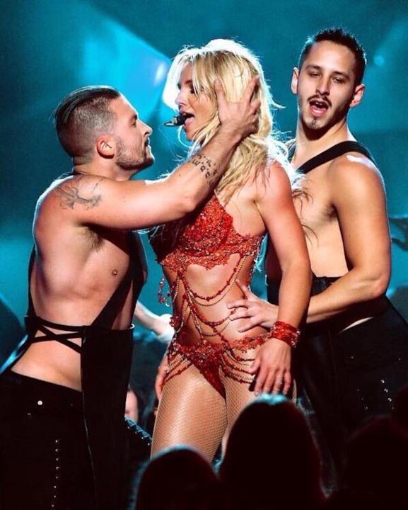 Britney Spears sul palco dei BMA2016