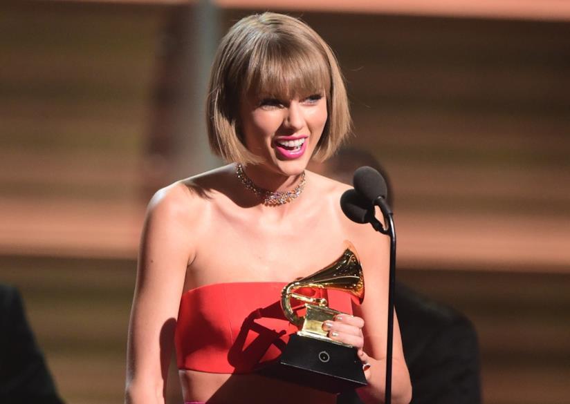 Che era Taylor Swift risalente da una direzione