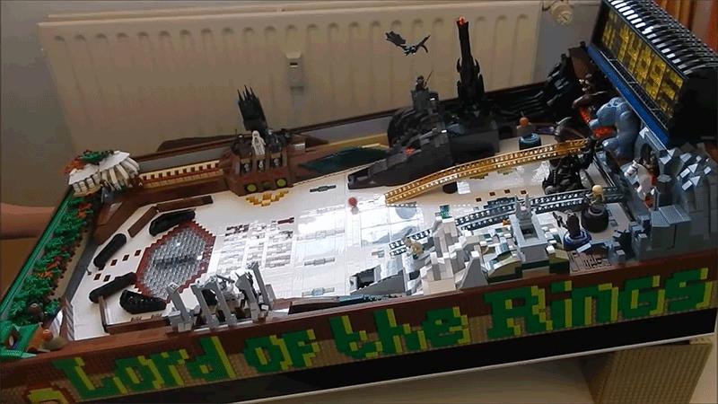 GIF del flipprer LEGO a tema Signore degli anelli
