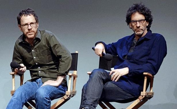 Una foto dei fratelli Coen sulle sedie da registi