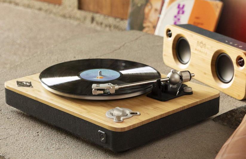 Immagine promozionale del giradischi wireless Stir It Up di The House of Marley