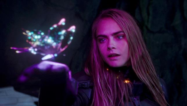 Cara Delevingne in una scena di Valerian e la città dei mille pianeti