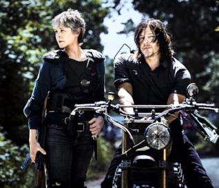 Rick e Maggie a colloquio in una scena di TWD 8