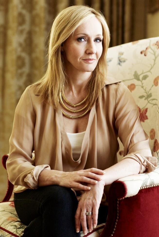 J.K.Rowling, mezzobusto della scrittrice