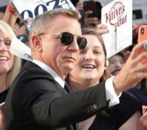 Daniel Craig con i fan