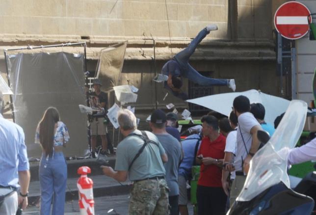 Set a Firenze per il film Six Underground: stuntman in azione