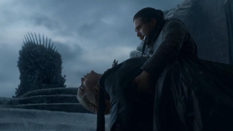 Emilia Clarke e Kit Harington in Game of Thrones 8x06