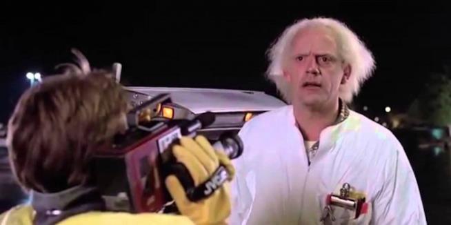 Fotogramma di Ritorno al Futuro con Doc Brown e Marty McFly