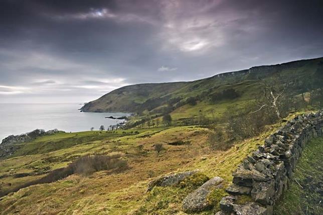 La Baia di Murlough è la location delle Isole di Ferro