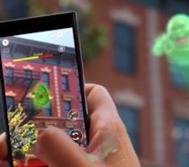 Ghostbusters World in funzione su uno smartphone mostra Slimer in realtà aumentata