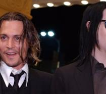 Johnny Depp e Marilyn Manson partecipano insieme da buoni amici a un evento