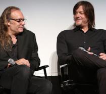 Norman Reedus e Greg Nicotero durante una conferenza