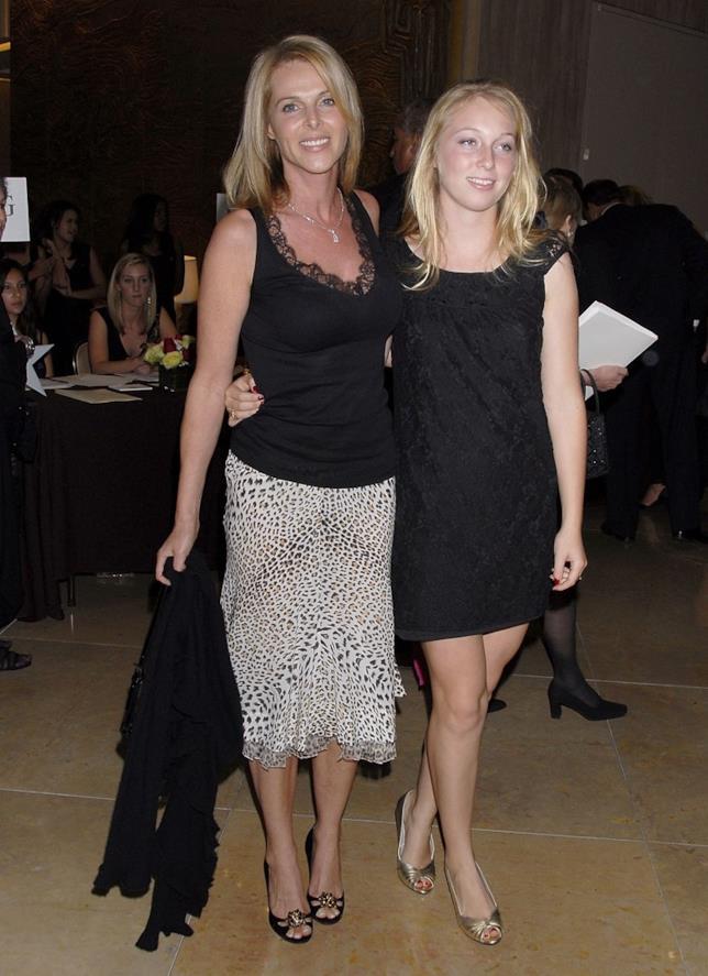 Catherine e la figlia India Oxenberg, vittima di NXIVM