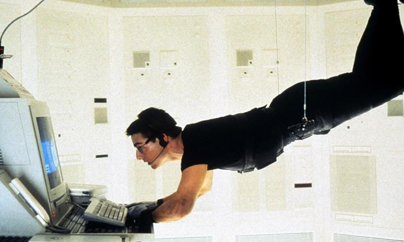 Un'immagine di Tom Cruise in Mission: Impossible
