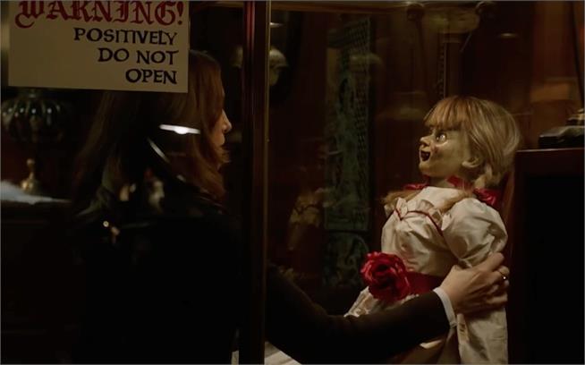 Annabelle Comes Home: una scena dal trailer