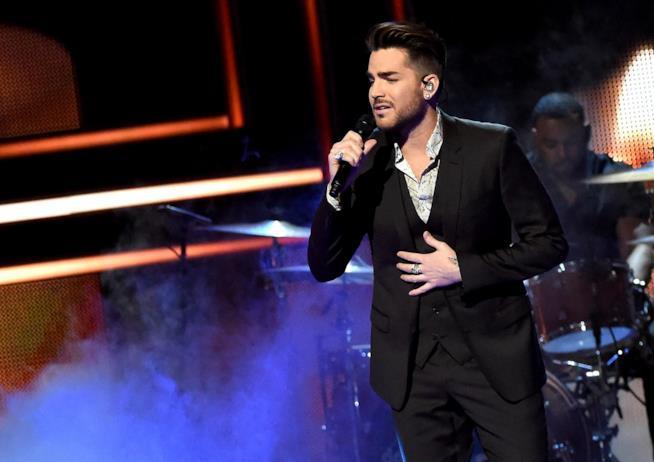 Il cantante Adam Lambert