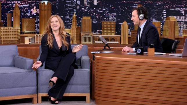Amy Adams e Jimmy Fallon al The Tonight Show